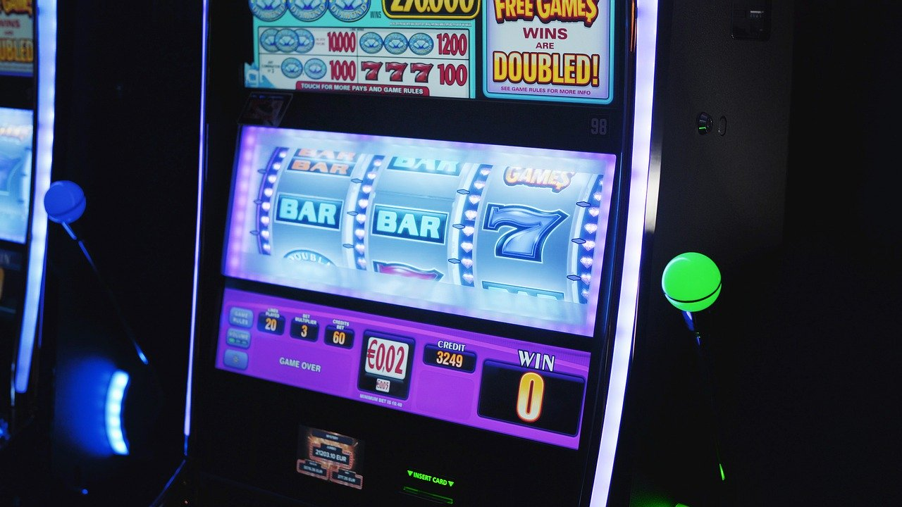 Honest ways to cheat at online slots - Living with Lindsay